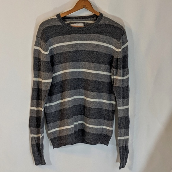 Aeropostale Other - Aeropostal Gray & White Sweater Sz L
